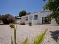 Façade avec jardin et belle vue du Algarve.