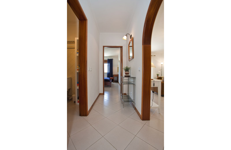 Appartement louer carvoeiro 207 hall d 39 entr e for Louer yverdon appartement