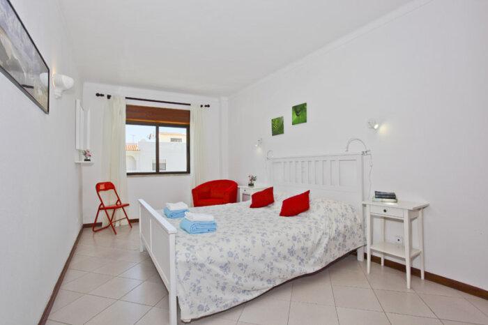 logement de 208 chambre coucher 2 algarve location maison. Black Bedroom Furniture Sets. Home Design Ideas