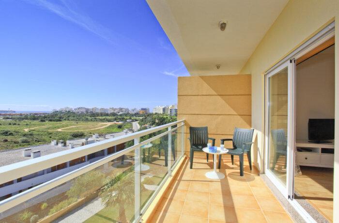Arade terrasse algarve location villa appartement for Louer appartement maison